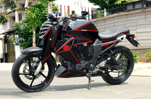 1 1714 1462346970 Ngắm Yamaha FZ 16 độ phong cách góc cạnh lạ mắt tại Sài Gòn