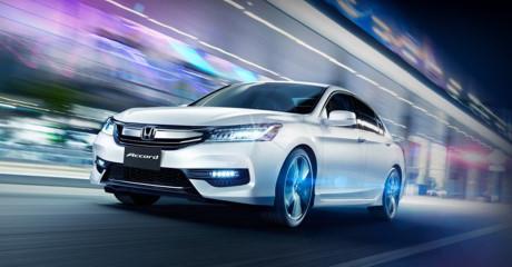 1 57320 Giá xe Honda Accord 2016 1,47 tỷ liệu có cạnh tranh nổi Toyota Camry?