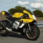 2016-Yamaha-YZF-R1-60th-Anniversary-EU-60th-Anniversary-Static-005