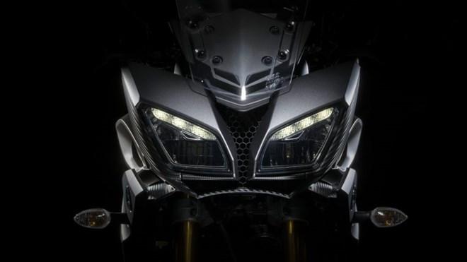 2017YamahaMT09Tracker28850x478 Yamaha MT 09 2016 giá bao nhiêu? Đánh giá MT 09 2016 bản Tracer