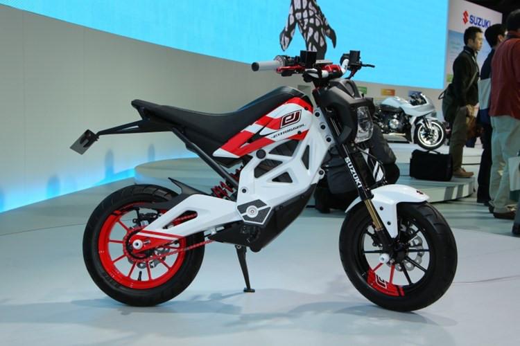 8 76064 Suzuki Extrigger đối thủ của Honda MSX125 xuất hiện