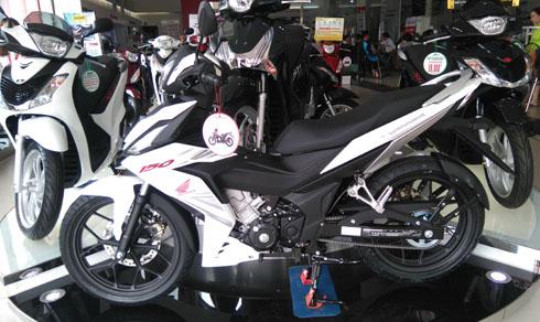 DSC 0167 JPG 9376 1467612656 Winner 150cc thì khan hàng còn Exciter 150cc bị đội giá