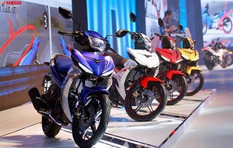 Exciter 2016 co may mau 768x487 Đánh giá xe Exciter 2016 đen nhám mẫu mới của Yamaha