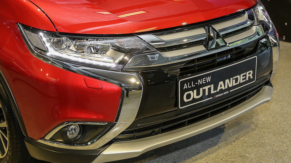 Mitsubishi Outlander 2016 2 Mitsubishi Outlander 2016 giá bao nhiêu? hình ảnh & khả năng vận hành