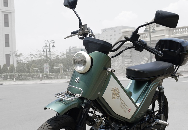 P1090286 1463390825 660x0 Ngắm Kawasaki GPX750 độ phong cách Cafe Racer cực đẹp