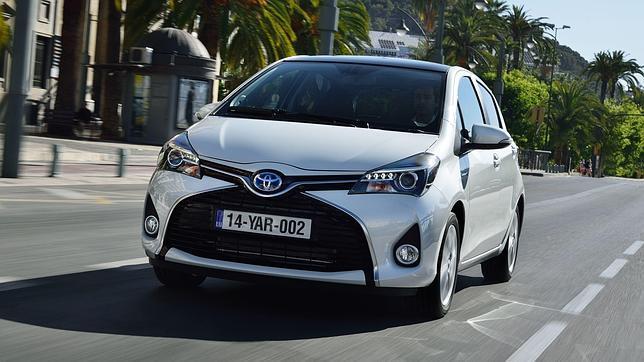 Toyota yaris Toyota Yaris hybrid có những gì?