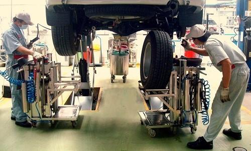 bao duong xe toyota camry 2016 dung cach Chia sẻ kinh nghiệm bảo dưỡng Toyota Camry 2016 cho xe luôn mới