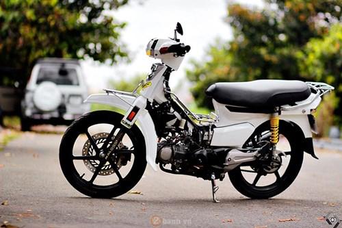 dan choi viet nang doi giac mo honda dream ii sieu chat hinh 11 abrq Toàn cảnh Honda Dream II độ cực phong cách của biker Sài Gòn