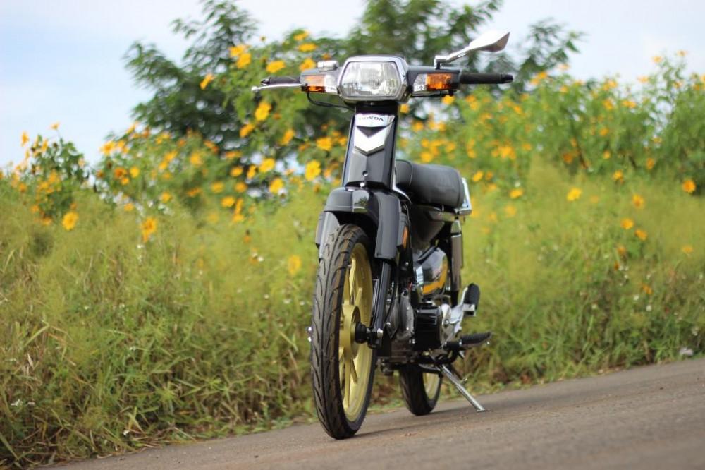 dream do o mien nui cao don gian ma cuc dep 5499 1419928632 54a264382f476 Cận cảnh xe Honda Dream độ đơn giản mà cá tính