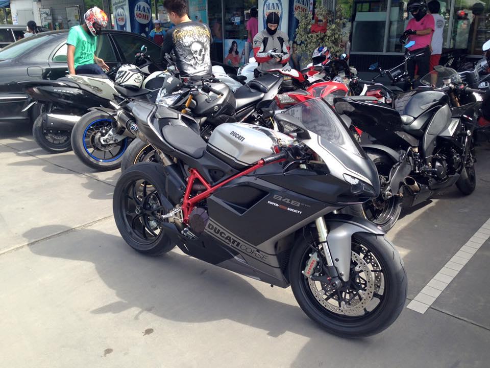 ducati 848 evo corse se do day phong cach tren dat thai 9125 1449735117 566933cd8ba53 Chi tiết Ducati 848 Evo Corse SE bản độ chất lừ của biker Thái Lan