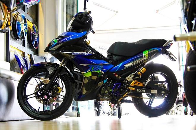 exciter150 1 Cận cảnh Exciter 150 độ tem đấu phong cách của một biker Sài Gòn