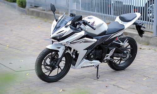 honda cbr150r 2016 dau tien ve ha noi gia tren 100 trieu 59 101720 Hình ảnh Honda CBR150R 2016 xuất hiện lần đầu tại Hà nội
