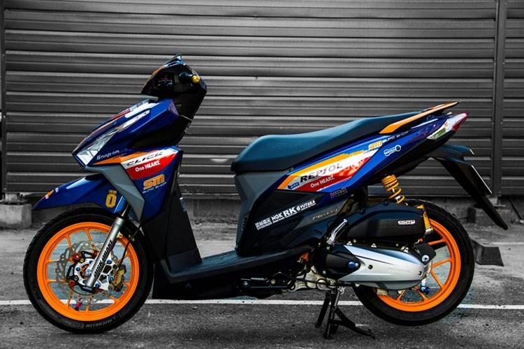 soi xe tay ga honda click 125i ban repsol tai viet nam hinh 2 Cận cảnh Honda Click 125i bản Repsol cực ngầu của biker Việt