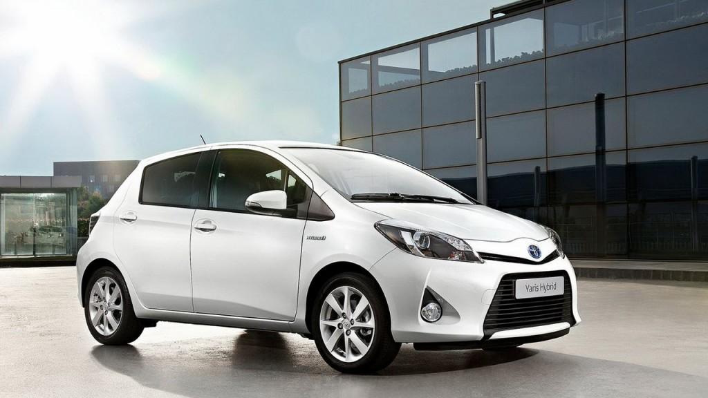 toyota yaris 2016 1024x576 Toyota Yaris hybrid có những gì?