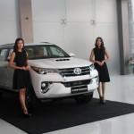 toyota_fortuner_car_automobile_yangon_myanmar_bzpj