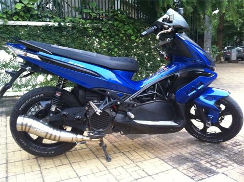 trithucsong.com 2056cc9f257c9bb939c0ef6f5e823dc0 Ngắm Kawasaki GPX750 độ phong cách Cafe Racer cực đẹp