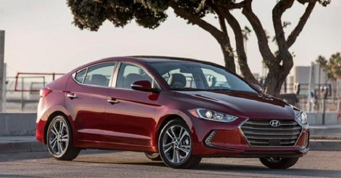 untitled gkvg So sánh Hyundai Elantra 2016 và Mazda 3 2016, nên mua xe nào?
