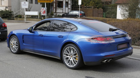 xe dep1 Đánh giá xe Porsche Panamera 2017, hình ảnh & khả năng vận hành