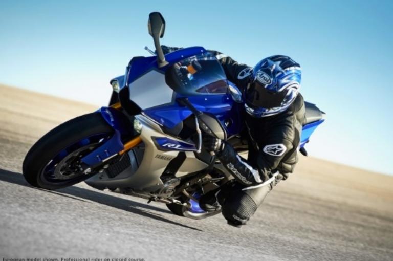 yamaha r1 2016 768x5101 Đánh giá xe Yamaha R1 chi tiết giá bán & thông số kỹ thuật