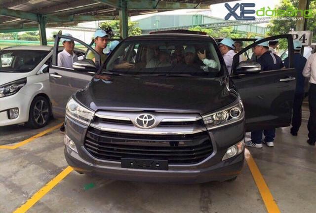 yo su38 Toyota Camry 2016 nơi thể hiện sự đẳng cấp